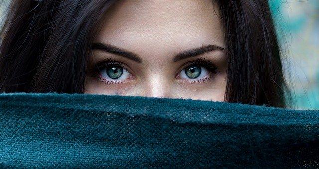 płatki pod oczy